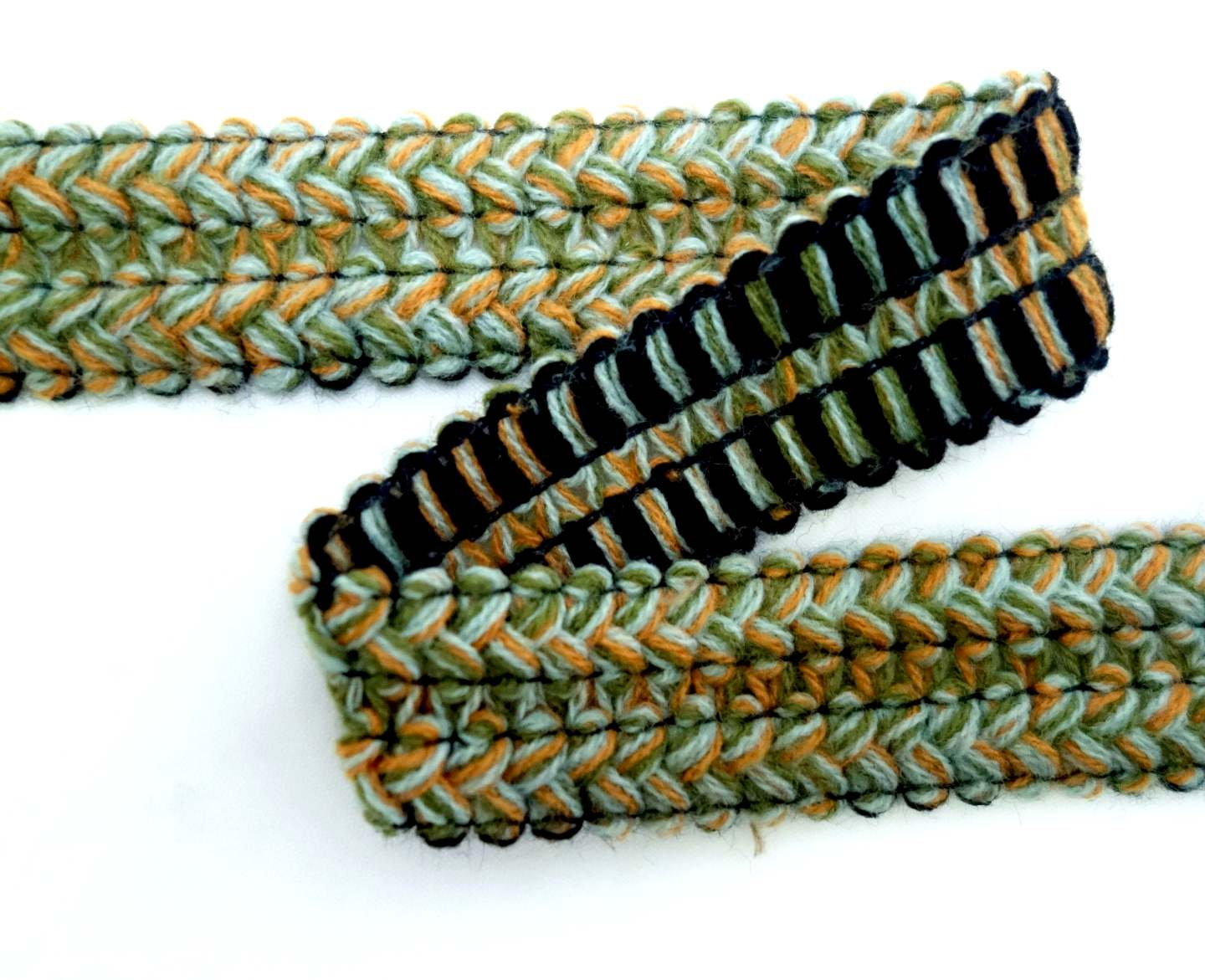 Passementerie lace trims rigid
